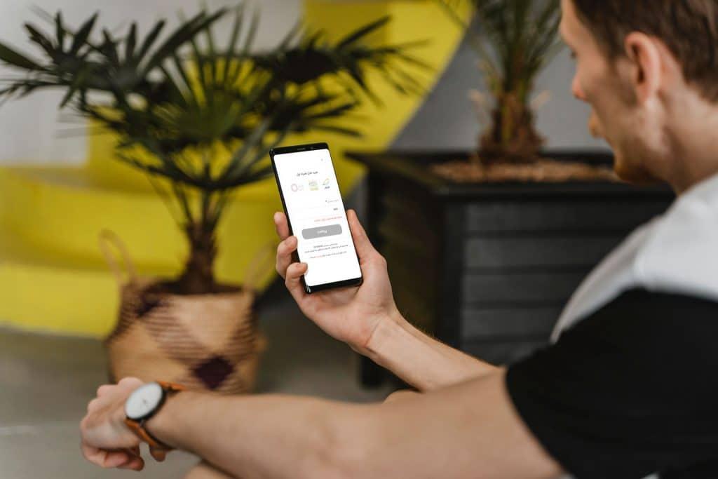 خرید بسته اینترنتی و شارژ سیم کارت توسط همراه هوشمند